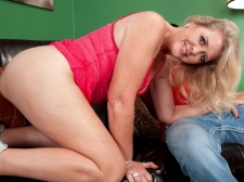 This creampie starts with Kay