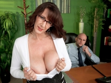 Fucking the big titted SEXY HOUSEWIFE who's wearing glasses