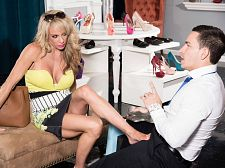 Raquel's a shoe-in to acquire u off