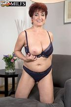 Big-titted MILF Jessica returns